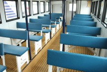 Spacious cabin. You can see the sea of Rausu from the bench